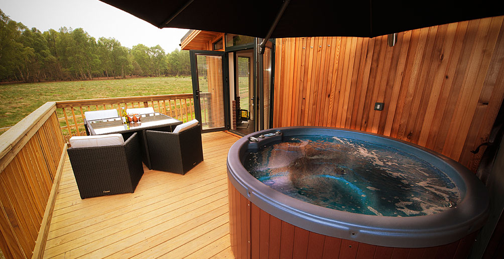 Cottages with hot tubs in scotland Log cabins with hot tubs scotland
