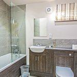 Bathroom inside Woodland View Lodge