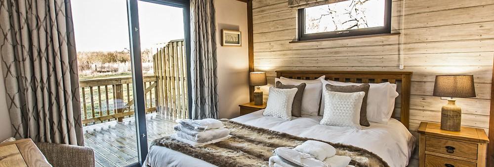 Woodland View lodge master bedroom