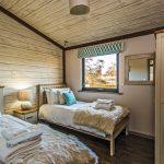 3 bed cabin single bedroom